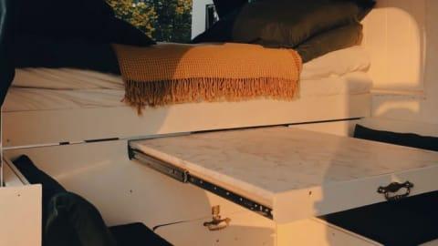 Wohnmobil mieten in Cologne von privat   Ford Vanilla Suite 2