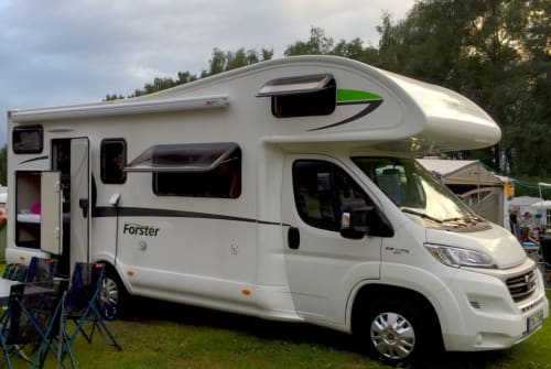 Wohnmobil mieten in Gilching von privat | Euramobil Forster FamilyCar