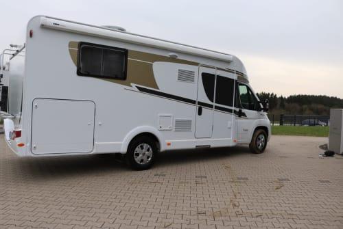 Wohnmobil mieten in Wiehl von privat | Carado MadeiraT449(3)