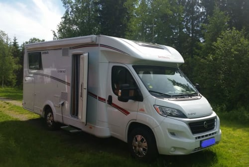 Wohnmobil mieten in Buchholz in der Nordheide von privat | Dethleffs  Maximus