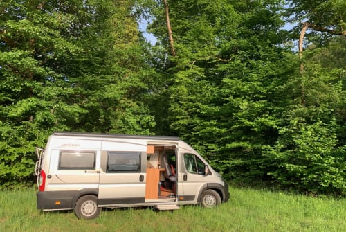 Wohnmobil mieten in Esslingen am Neckar von privat | Pössl EsKaPe