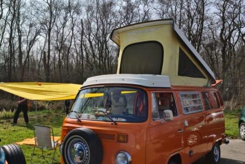 Wohnmobil mieten in Amstelveen von privat   Volkswagen T-2 B Orange
