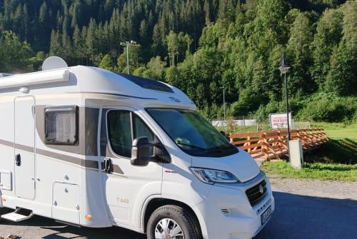 Wohnmobil mieten in Nalbach von privat | Carado Emma