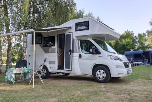 Wohnmobil mieten in Hamburg von privat | Sun Living WHITE HIPSTER