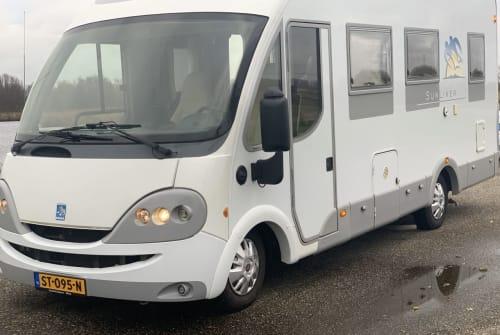 Wohnmobil mieten in Zaandam von privat   Knaus Sunliner PrachtigeCamper