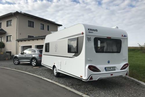 Wohnmobil mieten in Weihmichl von privat | Knaus Sporty