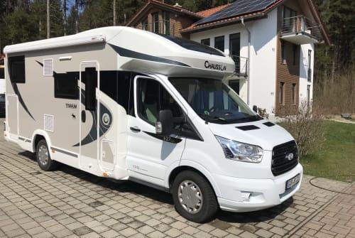Wohnmobil mieten in Großweil von privat | Chausson Free Willy