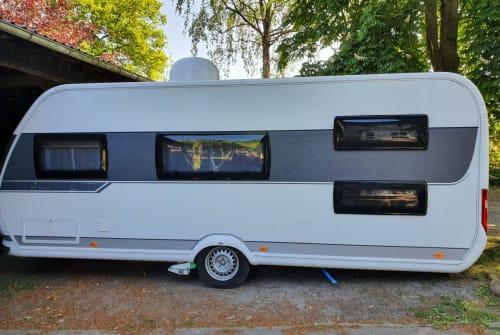 Wohnmobil mieten in Horneburg von privat | HOBBY Camping Buddy