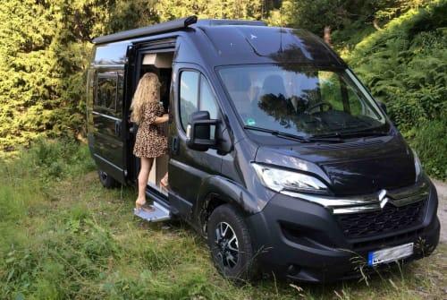 Wohnmobil mieten in Altenriet von privat | Clever Black Pearl