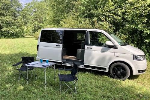 Wohnmobil mieten in Landsberg am Lech von privat | VW T5 Barney