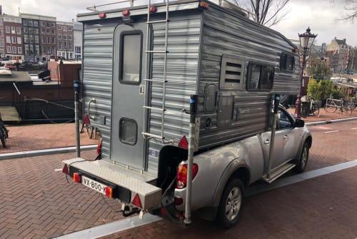 Wohnmobil mieten in Amsterdam von privat   Mitsubishi 4x4 camper