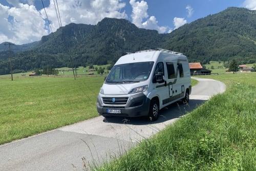 Wohnmobil mieten in Eschenlohe von privat   Knaus  Boxi