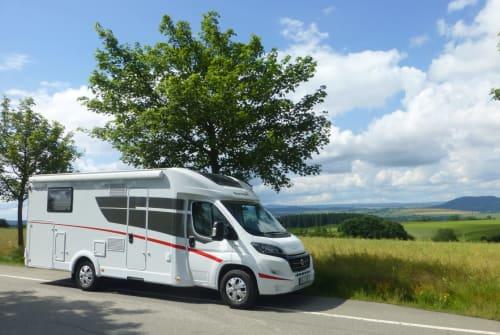 Wohnmobil mieten in Marienberg von privat | Sunlight ERZI