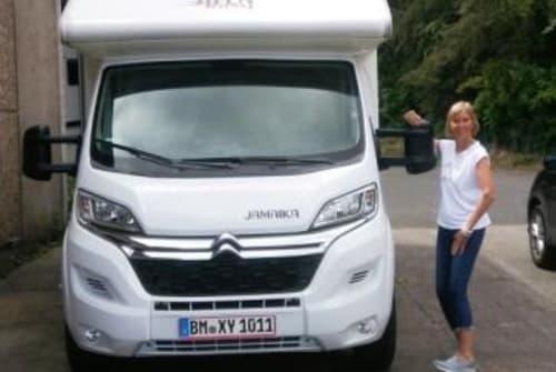 Wohnmobil mieten in Mönchengladbach von privat   P.L.A. Bela Jamaika Bela easy