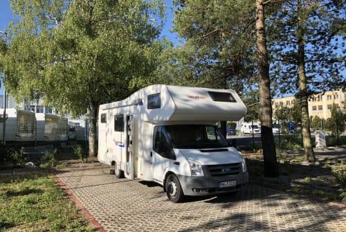 Wohnmobil mieten in Neustadt an der Weinstraße von privat   Ford RoadRunner
