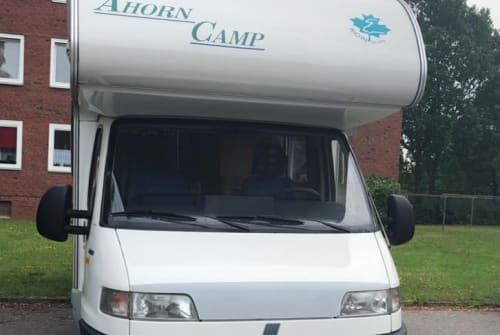 Wohnmobil mieten in Neumünster von privat | Ahorn Camp Abby