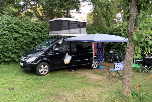 Wohnmobil mieten in Berlin von privat | Mercedes-Benz der Schwarze