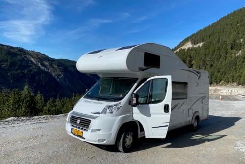 Wohnmobil mieten in Halsteren von privat   T.E.C. / L.M.C. Fiat OffGrid Alkoof