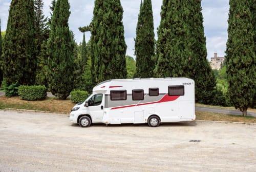 Wohnmobil mieten in Breydin von privat | Rimor  Seal 69 Autom.