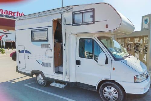 Wohnmobil mieten in Ericeira von privat | Fiat Ducato Shugi