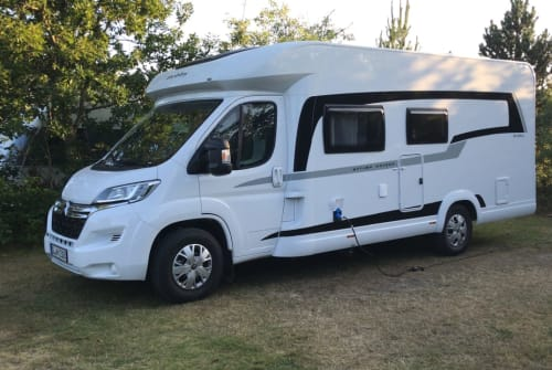 Wohnmobil mieten in Jerrishoe von privat | Hobby Optima on tour