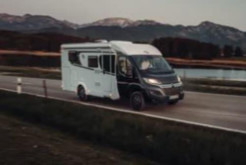 Wohnmobil mieten in Lingen von privat | Carado Jürgen V337