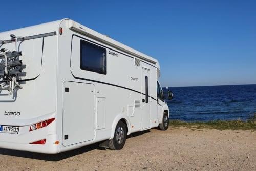 Wohnmobil mieten in Adlkofen von privat | Dethleffs Dethleffs T7057