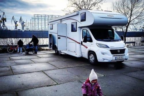 Wohnmobil mieten in Berlin von privat | Dethleffs  Der Große