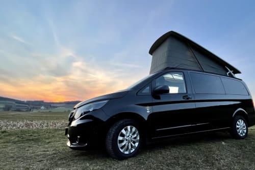 Wohnmobil mieten in Krumbach von privat | Mercedes Benz Black Pearl