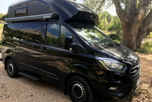 Wohnmobil mieten in Pottenstein von privat | Ford Black Pearl