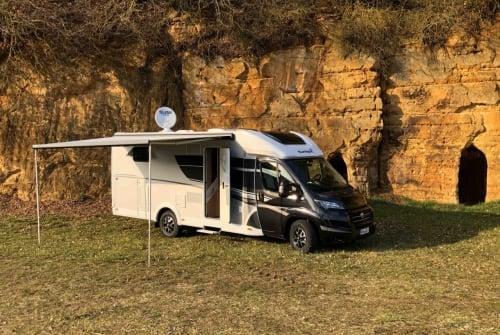 Wohnmobil mieten in Neumarkt in der Oberpfalz von privat | Sunlight Blacky XV 68