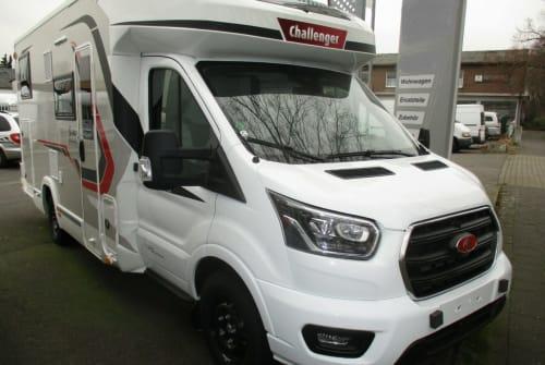 Wohnmobil mieten in Köln von privat | Challenger Comfort-Camper