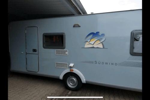 Wohnmobil mieten in Oberhausen von privat   Knaus Blaue Kiste