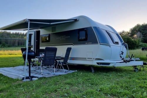 Wohnmobil mieten in Niederneisen von privat | Hobby 560 kmfe Oliverbens*NEU