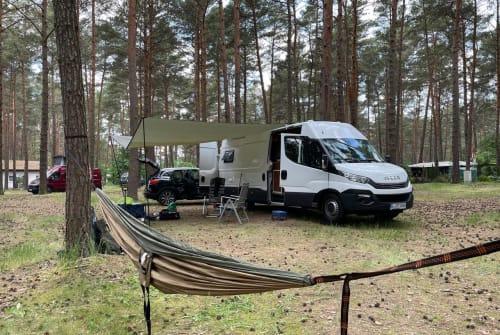 Wohnmobil mieten in Berlin von privat | Iveco BuB