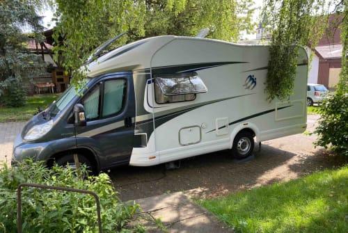 Wohnmobil mieten in Bondorf von privat | Knaus Junior