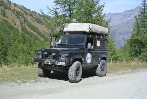 Wohnmobil mieten in Münzenberg von privat | Land Rover Defender TD 5 Capt´n Heavy metal