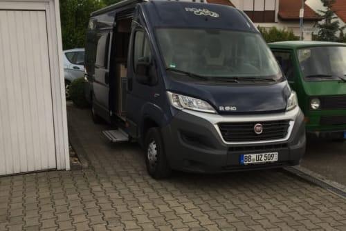 Wohnmobil mieten in Böblingen von privat   Pössl Roadcar Pössl R 640