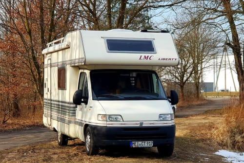 Wohnmobil mieten in Klipphausen von privat | LMC Brant-günstig