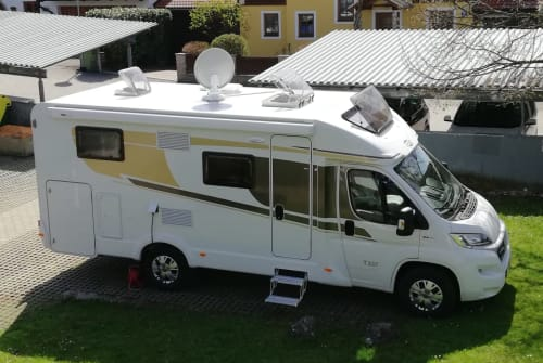 Wohnmobil mieten in Wals-Siezenheim von privat | Carado  Moritzmobil
