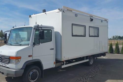 Wohnmobil mieten in Erfurt von privat | Mercedes Benz Benzik