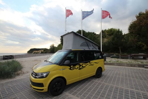 Wohnmobil mieten in Grömitz von privat | Volkswagen Bulli SeasideHolidays