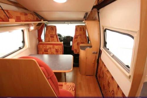 Wohnmobil mieten in Ellerbek von privat | Fiat Ducato Meine Rote Zora