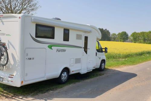 Wohnmobil mieten in Marienheide von privat | Forster Eloise