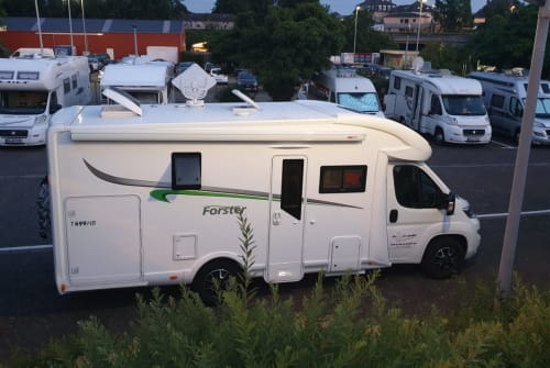 """Wohnmobil mieten in Aurich von privat 
