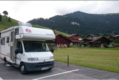 Wohnmobil mieten in Karlsruhe von privat | Euramobil Euri