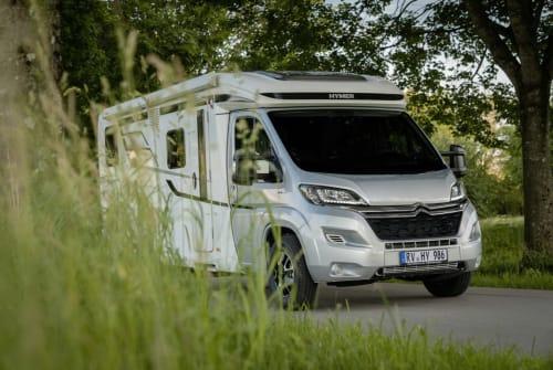 Wohnmobil mieten in Pfarrkirchen von privat | Hymer Sun-Camper 1