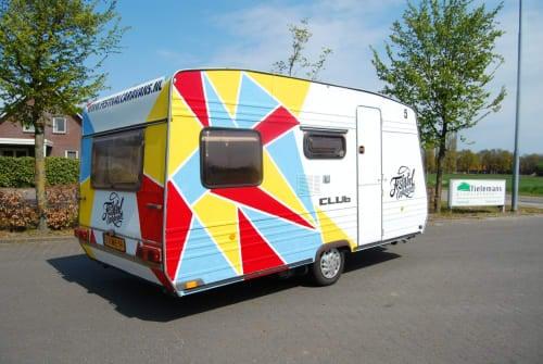 Wohnmobil mieten in Gemert von privat | Burstner Festicaravan6