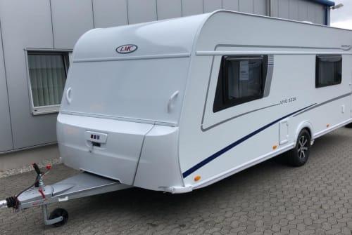 Wohnmobil mieten in Hellertshausen von privat | LMC Lord Vivo