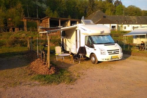 Wohnmobil mieten in Emmen von privat | LMC LMC 708